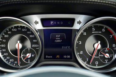 علامات طبلون السيارة وتفسير معانيها